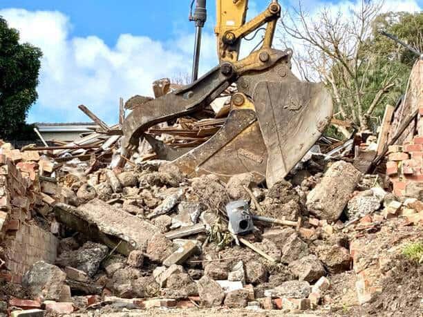 knock down rebuild gold coast sunshine coast